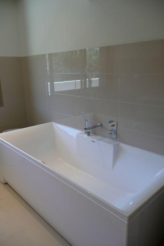 Carrelage moderne mural rectangulaire salle de bain - Carrelage rectangulaire salle de bain ...